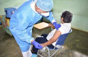 Panamá espera vacunar contra la covid-19, al menos, al 80% de su población antes que termine el 2021. Foto: Grupo Epasa