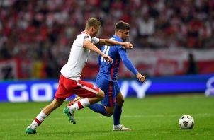 Inglaterra empató 1-1 en su visita a Polonia. Foto: EFE
