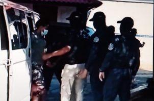 Fueron aprehendidos mediante un operativo en Santa Isabel, en Las Tablas. Fotos: Thays Domínguez.