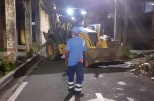 Ninguno de los trabajadores resultó herido, pero no pudieron iniciar sus labores. Foto: Diomedes Sánchez