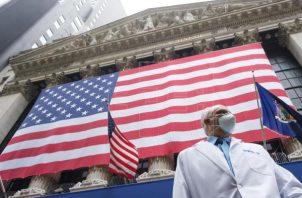 Estados Unidos es el país con más muertes por covid-19 del mundo. Foto: EFE