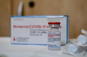 Una dosis de la vacuna de Moderna contra la covid-19. Foto: EFE