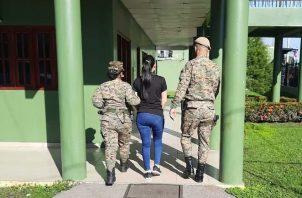 La joven fue aprehendida por unidades del Servicio Nacional de Fronteras (Senafront) el pasado martes 7 de septiembre en el puesto de Control de San Isidro, próximo a Paso Canoas. Foto: José Vásquez