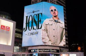 Promoción del álbum 'Jose' en el Toronto Eaton Centre. Foto: Twitter