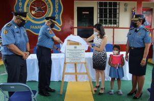 El acto contó con la participación de la ministra de Gobierno, Janaina Tewaney Mencomo y el Cnel. Abdiel Solís Pérez, director general del Benemérito Cuerpo de Bomberos de la República de Panamá (BCBRP),.