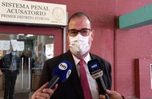 El abogado Carlos Carrillo, parte de la defensa de Ricardo Martinelli. Foto: Víctor Arosemena