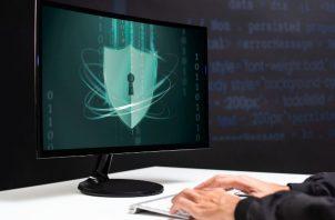 Lo recomendable es que toda empresa tenga un plan y un esquema de respuesta a incidentes de ciberataques. Foto ilustrativa / Freepik.