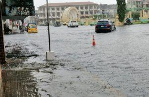 Varias calles de la provincia quedaron inundadas. Foto/Diomedes Sánchez
