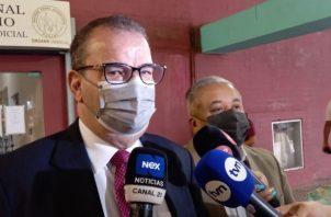 El abogado Carlos Carillo, defensa del expresidente Ricardo Martinelli. Foto: Víctor Arosemena