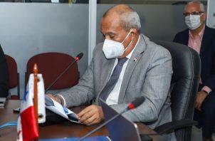 Correspondió al ministro de Ambiente, Milciades Concepción, quien preside la junta directiva del instituto sustentar su presupuesto. Foto: Cortesía