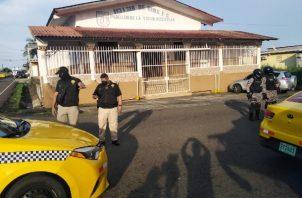 Una vez se dio el hecho de sangre la policía montó un operativo para esclarecer lo sucedido y dar con los implicados. Foto: Diomedes Sánchez