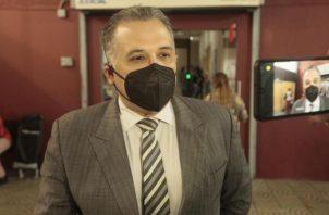 Alfredo Vallarino, abogado defensor de Ricardo Martinelli, enumero una serie de inconsistencias que se han dado hasta hora en el juicio. Víctor Arosemena
