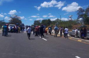 La vía panamericana fue reabierta a últimas horas de la tarde de este lunes. Foto/Melquiades Vásquez