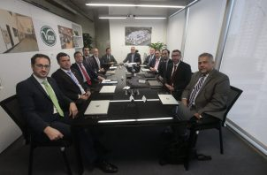 Imagen de las jornadas con el equipo directivo, encabezado por su presidente Víctor Moro Suárez. Foto/Víctor Arosemena.