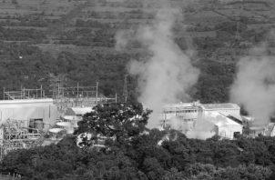 Imagen de una planta geotérmica. La crisis del calentamiento climático, la situación económica y energética, empujan a buscar fuentes de energía más limpias y sostenibles, entre las que la geotérmica ocupa un lugar destacado. Foto: EFE.