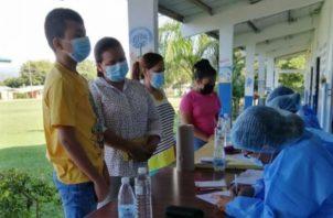 La vacunación contra la covid-19 se amplió a mayores de 12 años en todo el país.