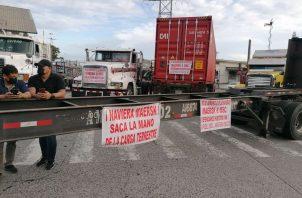 Los cierres afectan el libre tránsito hacia empresas en la Zona Libre de Colón. Foto: Diómedes Sánchez