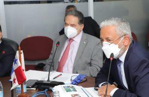 Autoridades del Canal de Panamá exponen el presupuesto. Foto: Cortesía