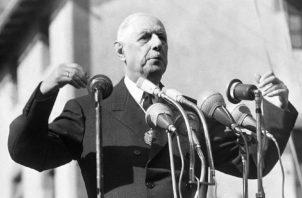 Momentos en que el jefe de Estado francés, pronunciaba una palabras en la plaza del Obispo Benlloch de Andorra la Vieja, durante una visita al principado en 1967. Foto: EFE.