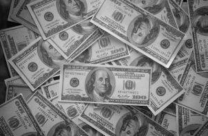 Son monedas Fíat, el dólar estadounidense, el euro, el yen y las principales monedas de reserva desde el fin de Bretton Woods, que se había establecido que el dólar estadounidense como moneda de referencia internacional. Foto: Freepik.