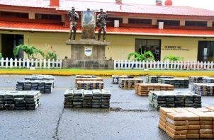 La droga estaba repartida en 22 bultos ocultos en dos contenedores. Foto: Senan