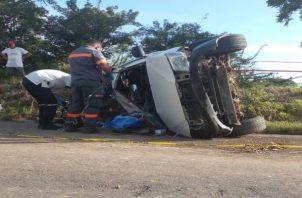 Al momento de redactar la nota no se había dado a conocer la identidad de la persona que perdió la vida en el accidente de tránsito. Foto: José Vásquez