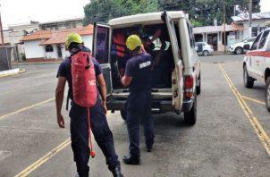 El joven fue trasladado en una ambulancia de los bomberos al cuarto de urgencias del hospital Rafael Hernández, en David. Foto: José Vásquez