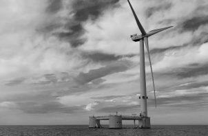 Parque eólico autosumergible en Portugal. La transición hacia una tecnología ambientalmente limpia, choca con el predominio de las tecnologías basadas en los combustibles fósiles. Foto: EFE.