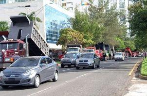 Camioneros reabrieron parcialmente las vías. Foto: Víctor Arosemena