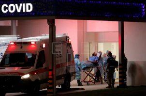 Hay 225 personas hospitalizadas con el virus, según informó ayer el Minsa. Foto: EFE