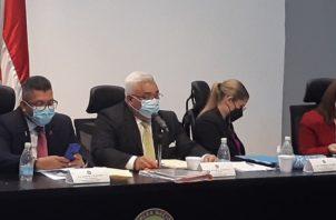 La sesión de este miércoles se extendió hasta las 5:00 p.m. En esta se permitió el uso de la palabra a voceros de varias organizaciones.