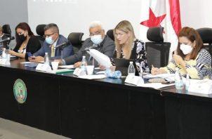 La discusión del tercer bloque solo tomó dos sesiones. Ahora, el debate se traslada al Pleno de la Asamblea, la próxima semana.