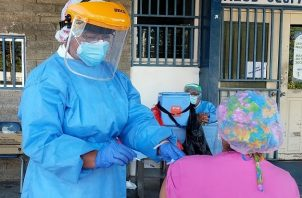 El proceso nacional de vacunación contra la covid-19 en el país comenzó el 20 de enero de 2021. Foto: Cortesía @CSSPanama