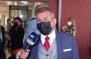 El abogado Sidney Sittón dijo que en el interrogatorio de hoy va haber sorpresas interesantes. Foto: Víctor Arosemena