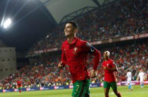 Cristiano Ronaldo anotó un 'hat-trick' en la victoria de Portugal por 5-0 sobre Luxemburgo. Foto: EFE