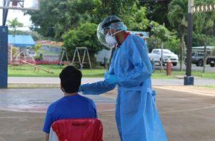 Se aplicaron 6,420 pruebas para detectar el virus. Foto: Cortesía