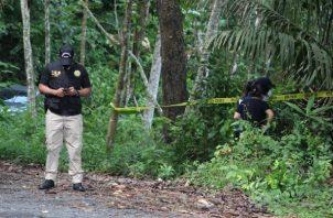 El 22 de junio fue encontrado en una zona boscosa adyacente a la vía Centenario el cuerpo de otra mujer, de 40 años, en avanzado estado de descomposición. Foto. Eric Montenegro
