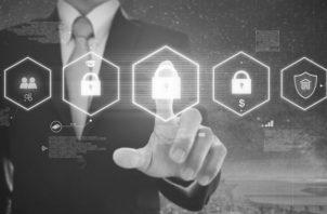 Los empleados ansían contar con herramientas de seguridad fáciles de usar. Los equipos de seguridad cibernética deben encontrar una forma de reducir la carga que tiene la seguridad y mejorar la visibilidad respecto a amenazas. Foto: Freepik.