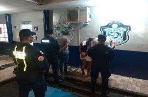 Tres personas detenidas en Capira con sustancia ilícita. Foto: Proteger y Servir