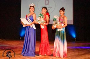 Hazel Muñoz ganadora del certamen intercultural indígena de América. @bellezasdepanama