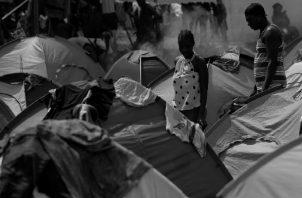 El endurecimiento de las políticas migratorias en Brasil y Chile, donde los haitianos se establecieron desde hace unos diez años; han ocasionado un éxodo sin precedentes, sobrepasando las capacidades de Panamá en la atención humanitaria. Foto: EFE.