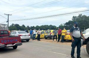 Según los transportistas, no aguantan los altos precios del combustible. Foto: Thays Domínguez