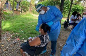 Personal de salud aplicó 7,733 pruebas nuevas de contagio en las últimas 24 horas. Foto: Cortesía Minsa