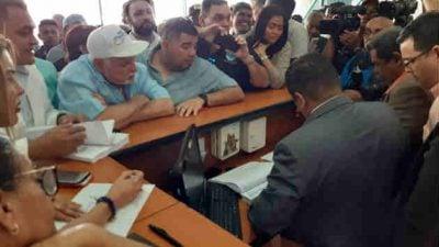 Unas 1,018 firmas respaldan convocatoria a Convención Nacional Extraordinaria del Cambio Democrático. Foto/ Francisco Paz