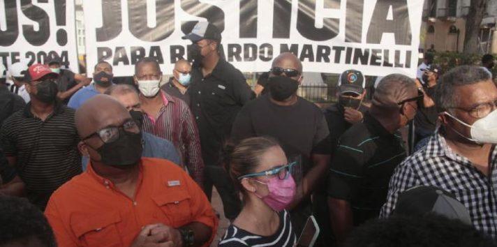 Miembros del partido Realizando Metas también han denunciado intimidación y acoso político contra el expresidente Martinelli. Foto: Archivo