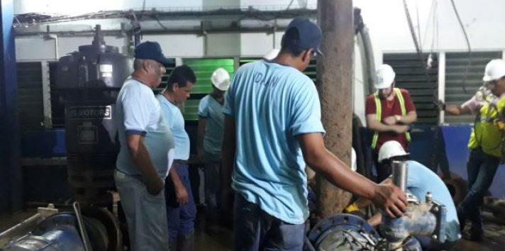 Este domingo se realizarán los trabajos en la planta potabilizadora Rufina Alfaro. Foto: Archivo