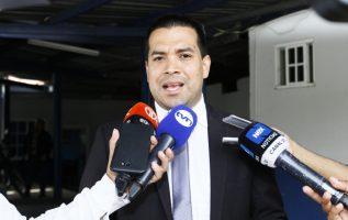 El abogado Luis Eduardo Camacho González fue quien interpuso la querella. Edwards Santos
