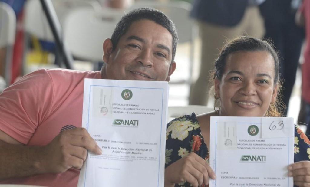 El acto de entrega de los títulos de propiedad se realizó en el Instituto Profesional y Técnico Jeptha B. Duncan, en el corregimiento de la 24 de Diciembre.